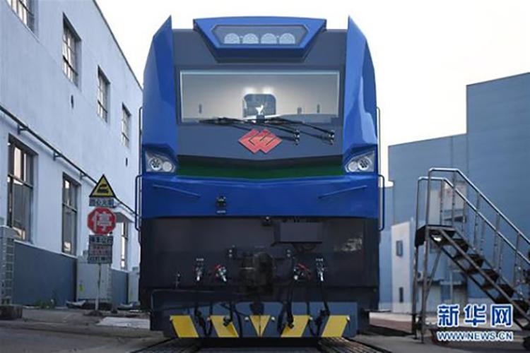 Mẫu đầu máy tàu điện mới không chỉ mạnh mẽ mà còn thân thiện hơn với môi trường. Ảnh: News.cn