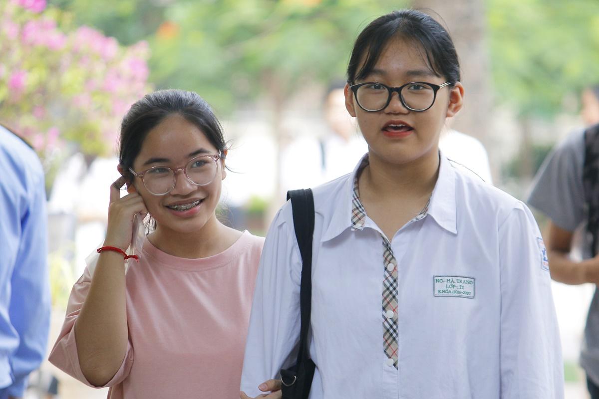 Học sinh dự thi vào lớp 10 công lập tại Hà Nội năm học 2020-2021. Ảnh: Thanh Hằng
