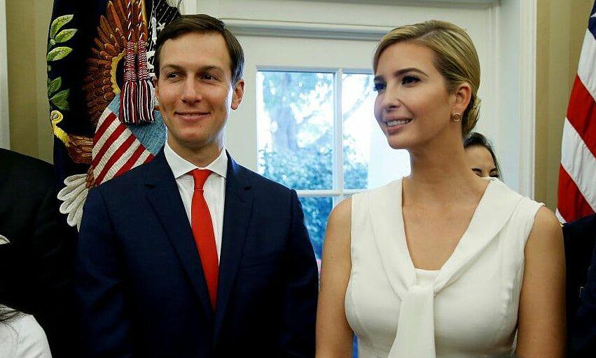 Ivanka Trump (phải) và Jared Kushner tại Nhà Trắng, thủ đô Washington, tháng 7/2017. Ảnh: Reuters.