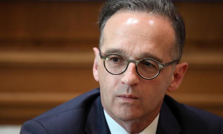 Ngoại trưởng Đức Heiko Maas trong chuyến thăm Hy Lạp tháng trước. Ảnh: Reuters.