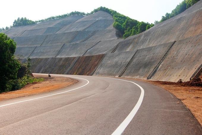 Cao tốc La Sơn - Túy Loan nằm trên tuyến cao tốc Bắc Nam. Ảnh:Võ Thạnh.
