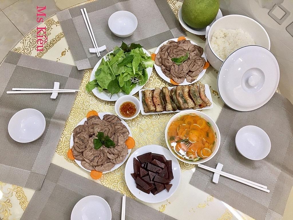 Những bữa cơm gia đình ấm áp - 2