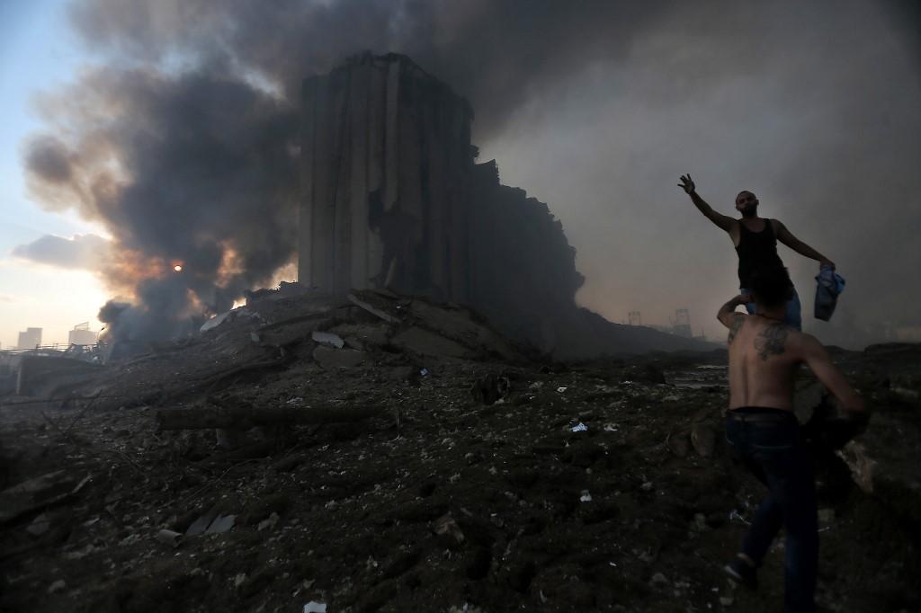 Khói đen bốc lên từ vụ nổ ở Beirut, Lebanon ngày 4/8. Ảnh: AFP.