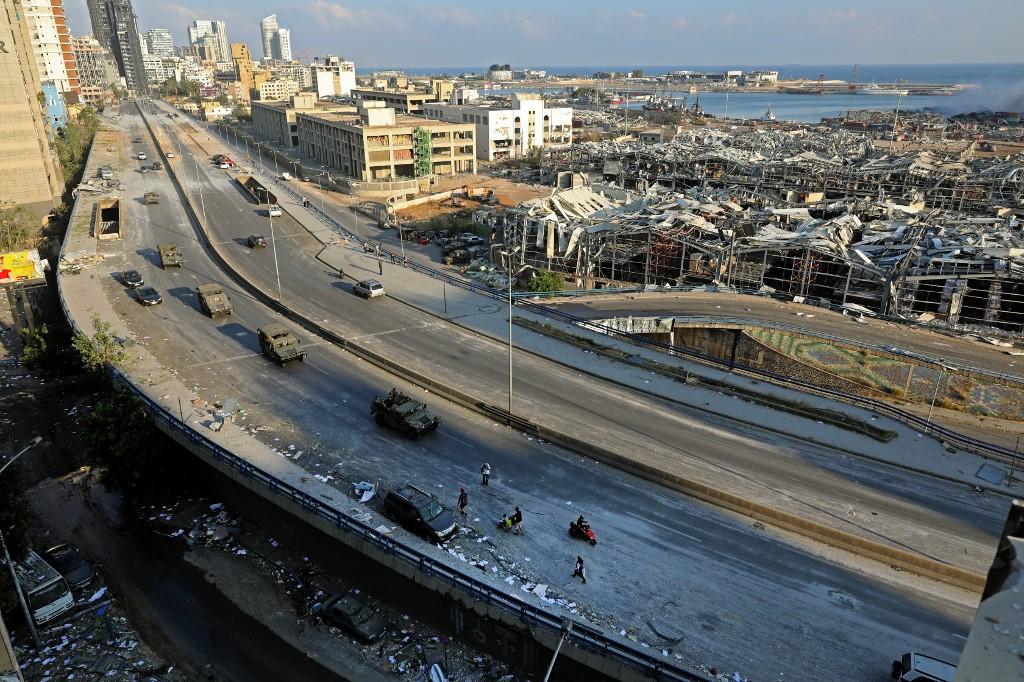 Khu vực gần cảng Beirut bị phá huỷ nặng nề sau vụ nổ hôm 4/8. Ảnh: AFP