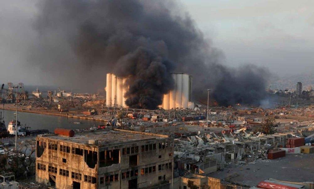 Khung cảnh hoang tàn ở khu vực cảng Beirut sau vụ nổ ngày 4/8. Ảnh: Reuters.