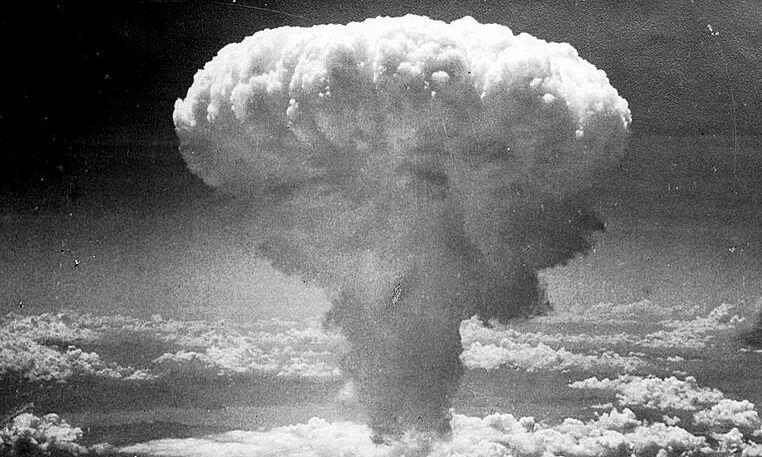 Mây hình nấm sau vụ nổ bom nguyên tử ở Nagasaki, Nhật Bản, ngày 9/8/1945. Ảnh tư liệu.