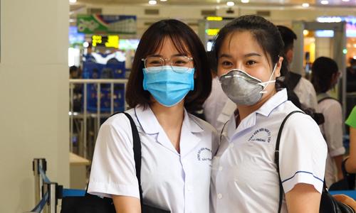 Hàng chục y bác sĩ tiếp tục vào hỗ trợ miền Trung