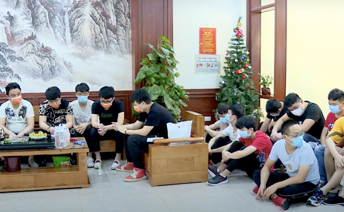 Nhóm người nhập cảnh trái phép bị phát hiện khi đang ở khách sạn tại TP Bắc Ninh. Ảnh: Công an cung cấp