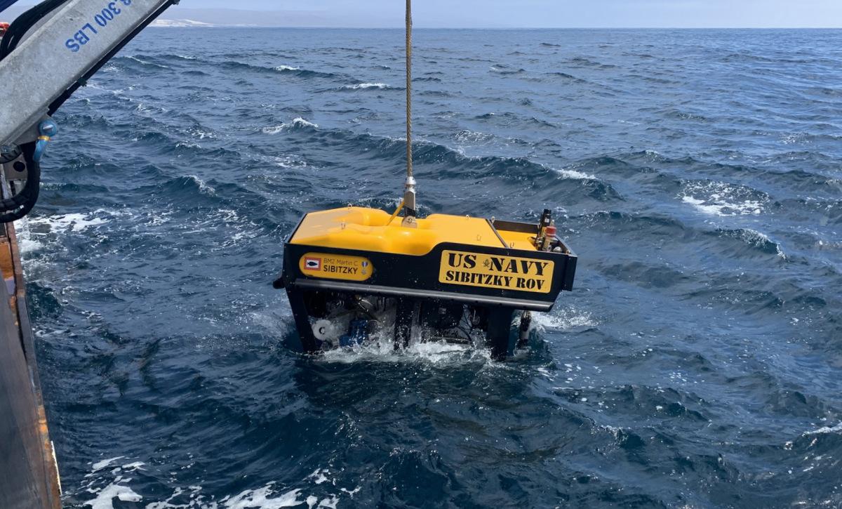 Tàu lặn được hải quân Mỹ triển khai hôm 3/8. Ảnh: US Navy.