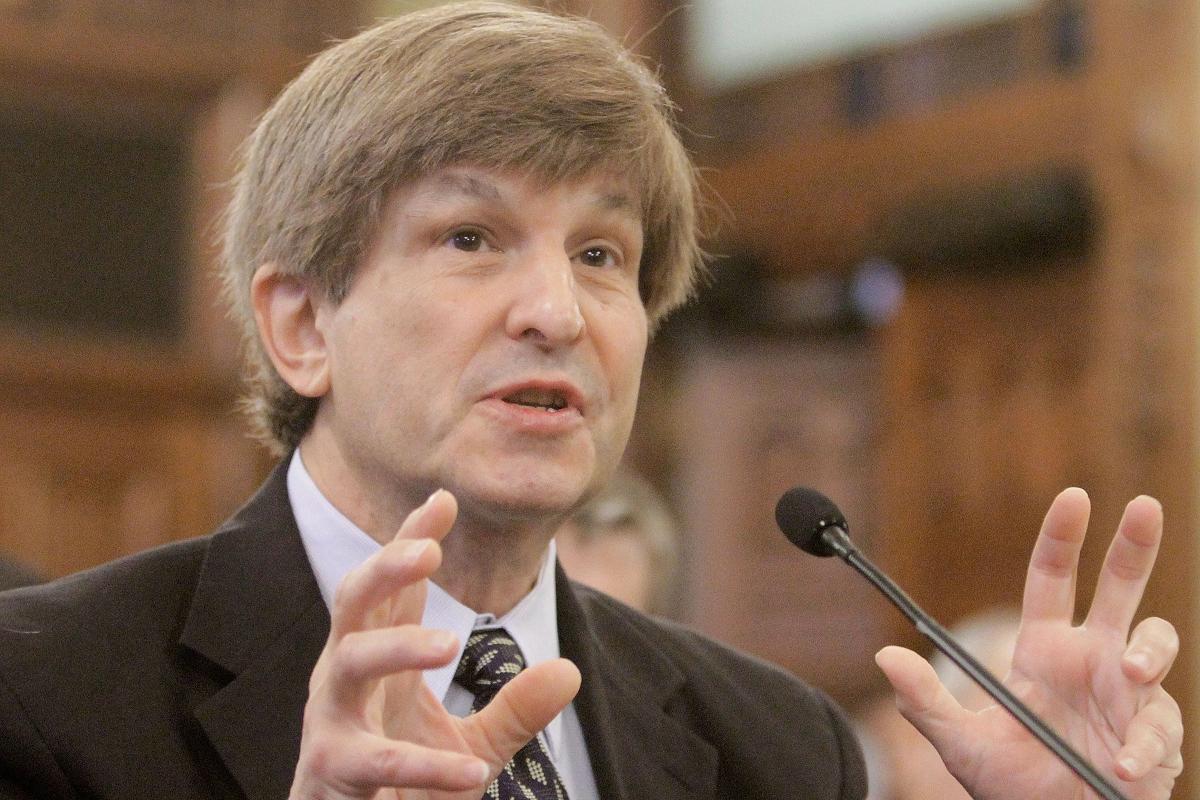 Allan Lichtman, giáo sư Đại học Mỹ ở thủ đô Washington. Ảnh: AP