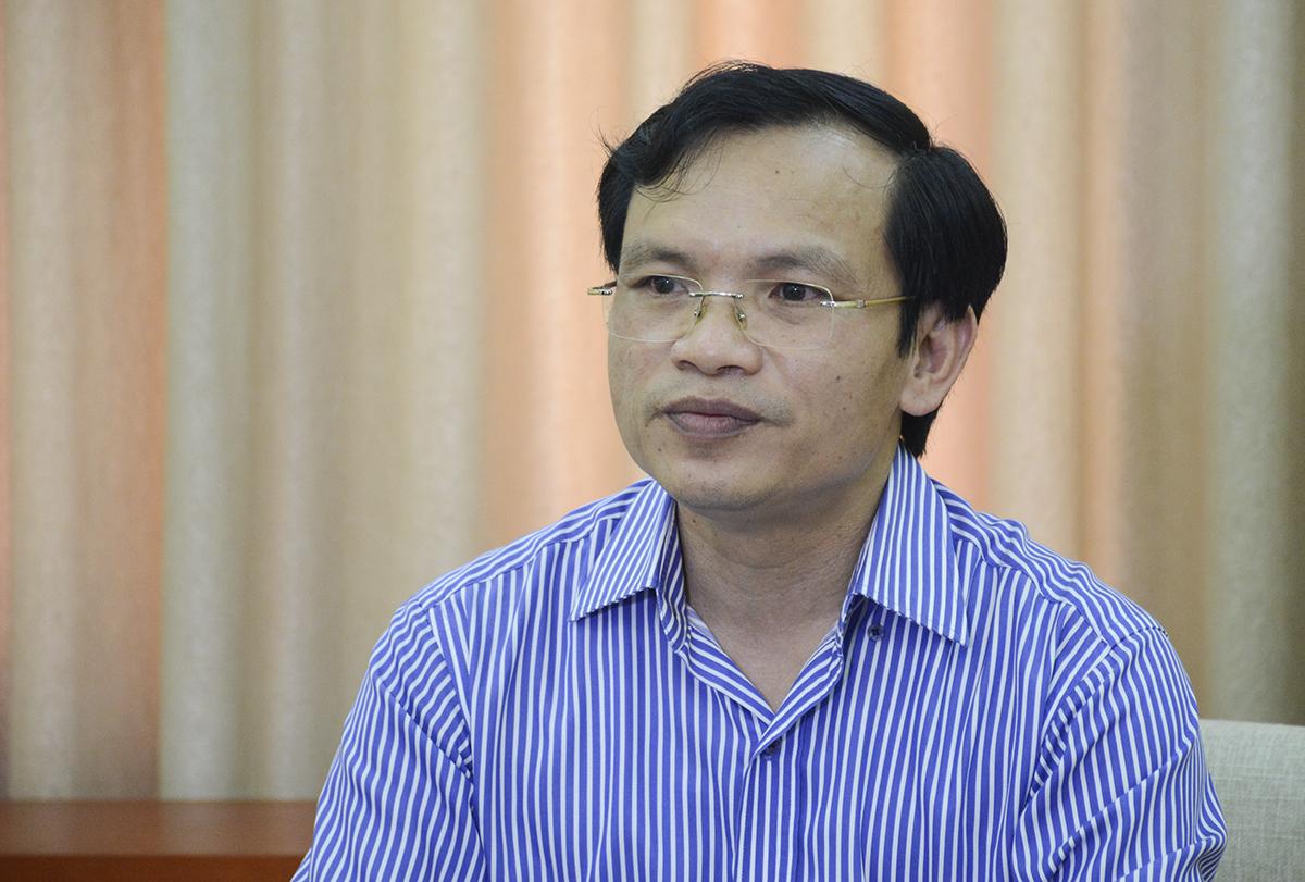 Ông Mai Văn Trinh chia sẻ về công tác thi hôm 7/8. Ảnh: Dương Tâm.