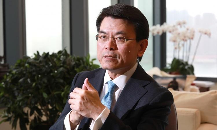 Lãnh đạo cơ quan thương mại Hong Kong Edward Yau trả lời phỏng vấn tháng 6/2019. Ảnh: SCMP.
