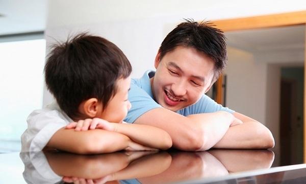 Trẻ Việt khó phát triển nếu bị ném ra đường như trẻ Tây
