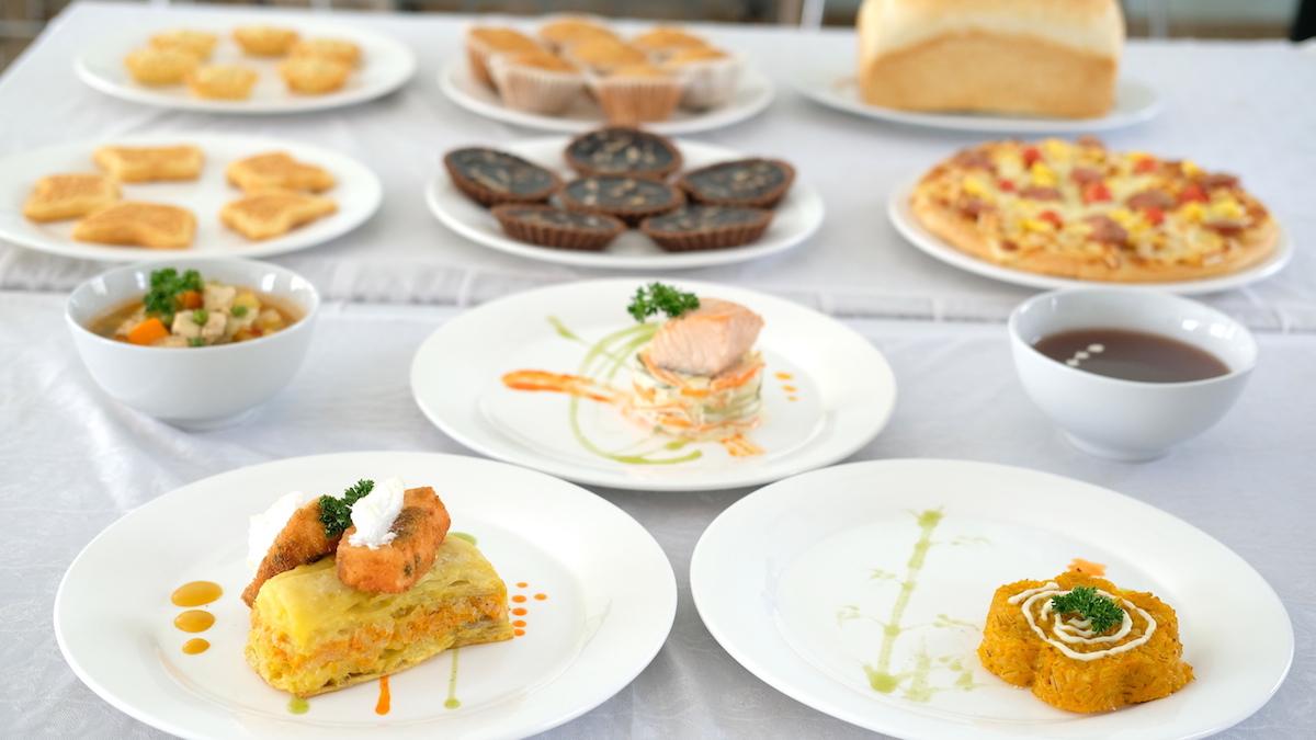 Các món ăn mang phong cách châu Âu được đầu bếp quân đội trình bày đẹp mắt. Ảnh: Hoàng Thuỳ