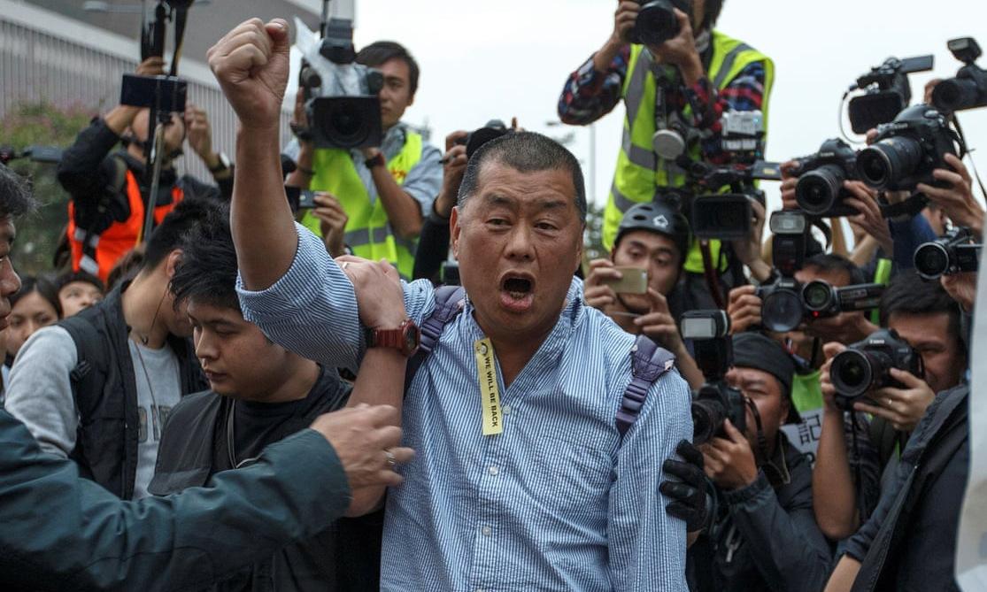 Jimmy Lai trong một cuộc tuần hành tại Hong Kong hồi tháng 2. Ảnh: Reuters.