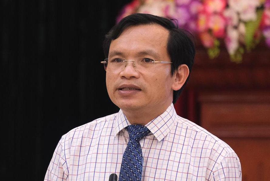 Ông Mai Văn Trinh trả lời tại cuộc họp báo chiều 10/8. Ảnh: Dương Tâm.