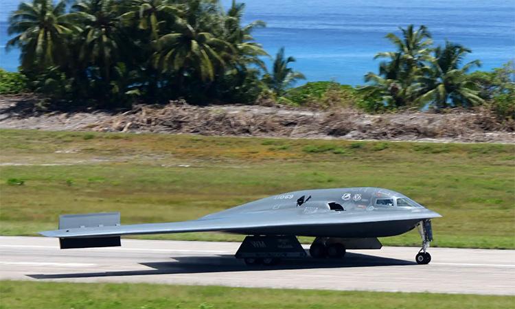 Oanh tạc cơ B-2 tại đảo Diego Garcia, tháng 3/2016. Ảnh: USAF.