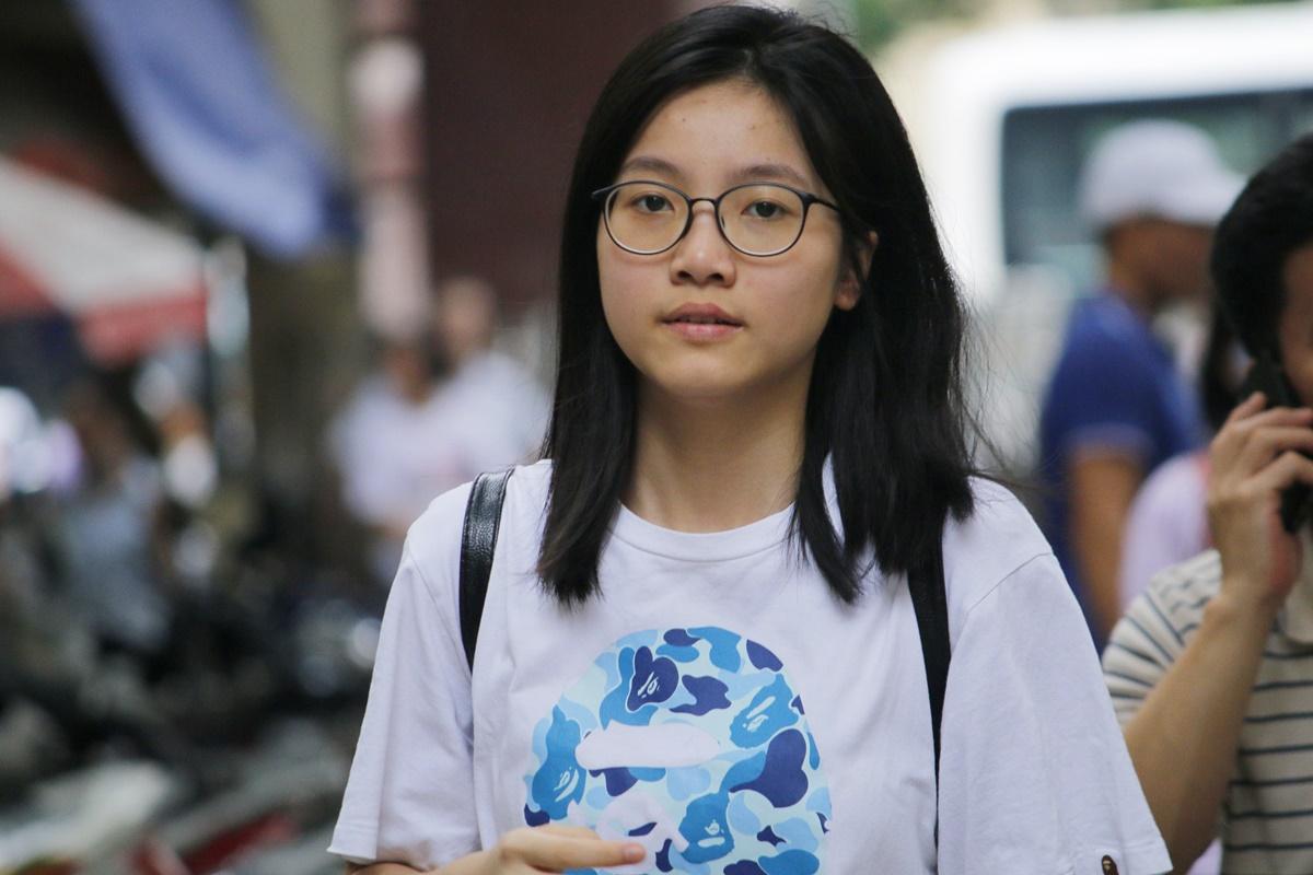 Học sinh dự thi vào trường THPT chuyên Khoa học Xã hội và Nhân văn năm 2020. Ảnh: Thanh Hằng