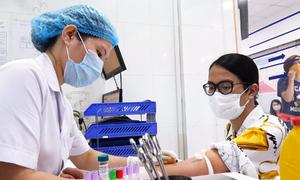 Người hiến huyết tương: Chỉ mong bệnh nhân được trở về nhà