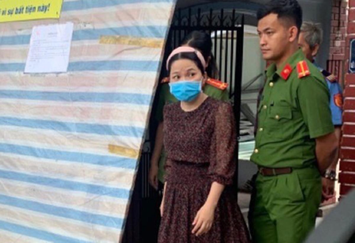 Huỳnh Thị Hạnh Phúc bị bắt giam với cáo buộc lừa đảo, ngày 11/8. Ảnh: Công an TP HCM.