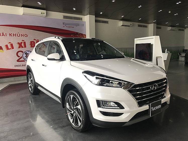 Hyundai Tucson tại một đại ý ở quận Thủ Đức, TPHCM. Ảnh: Phạm Trung