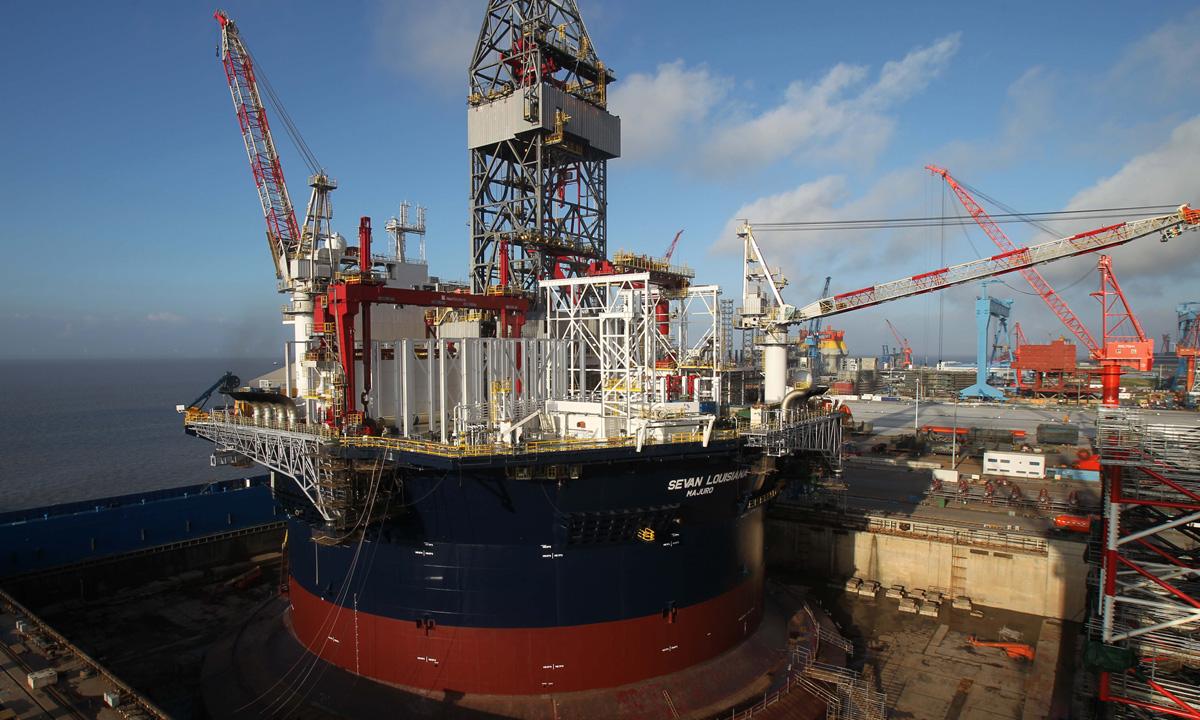 Một tàu chở dầu tại cảng ở Khải Đông, tỉnh Giang Tô, Trung Quốc, hồi tháng 8/2013. Ảnh: Reuters.