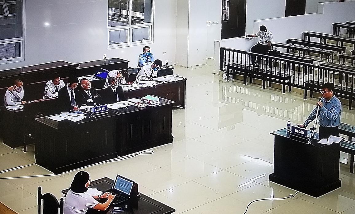 Phiên phúc thẩm xét xử bị cáo Trương Duy Nhất, ngày 14/8. Ảnh chụp qua màn hình