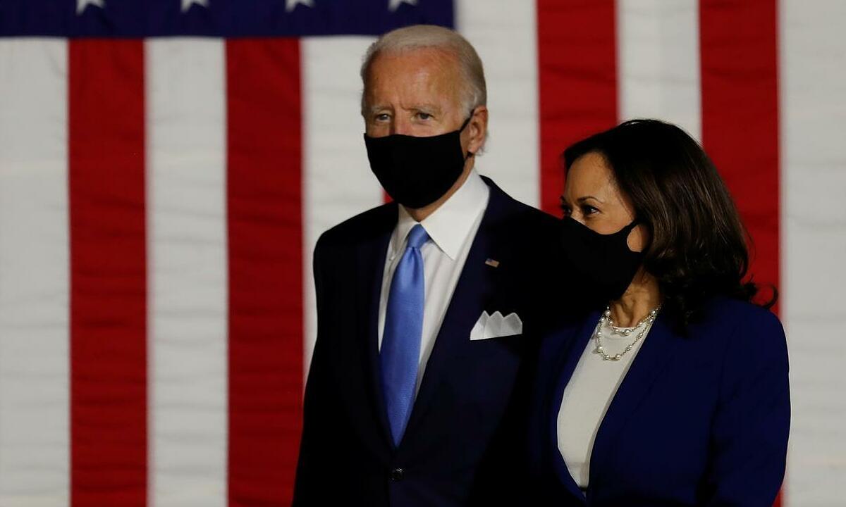 Ứng viên tổng thống đảng Dân chủ Biden và phó tướng Harris tại Wilmington, bang Delaware, Mỹ, hôm 12/8. Ảnh: Reuters.