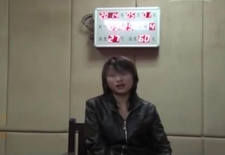 Tiểu Yến tại cơ quan điều tra. Ảnh: CCTV.