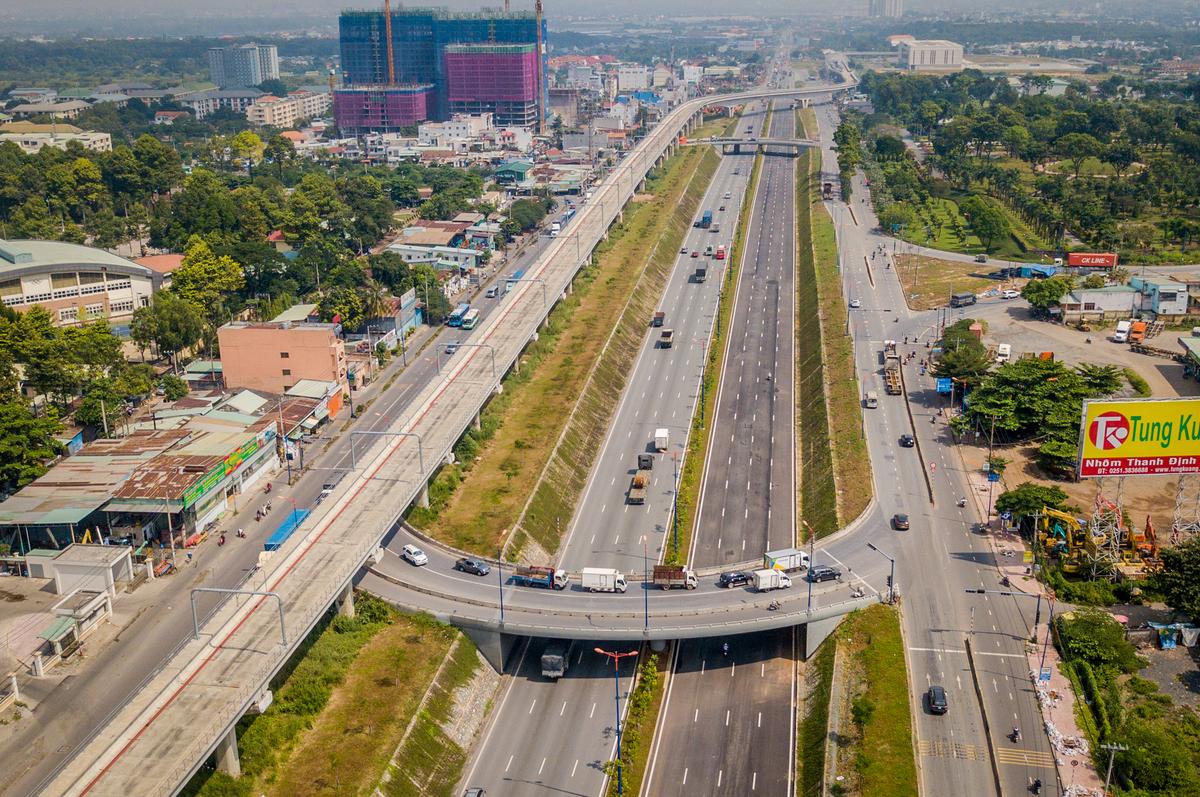Xa lộ Hà Nội tại nút giao thông ĐH Quốc gia TP HCM (thuộc quận 9 và Thủ Đức), chụp tháng 11/2019. Ảnh: Quỳnh Trần