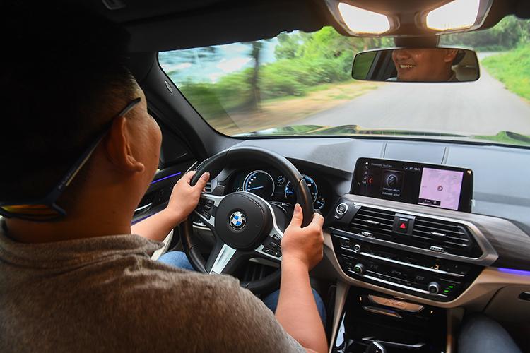 Trải nghiệm BMW X3 M-sport tại Ba Vì, Hà Nội.
