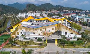 Ngôi trường trăm tỷ hình dãy núi