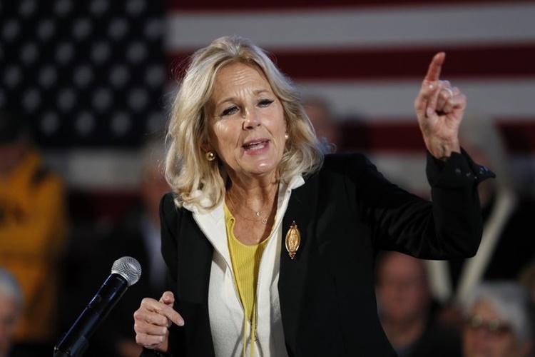 Jill Biden phát biểu tại một sự kiện vận động tranh cử của chồng hồi tháng 12 năm ngoái. Ảnh: AP.