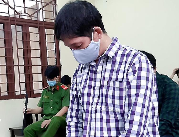 Bị cáo Việt tại tòa chiều nay. Ảnh: Hải Duyên.