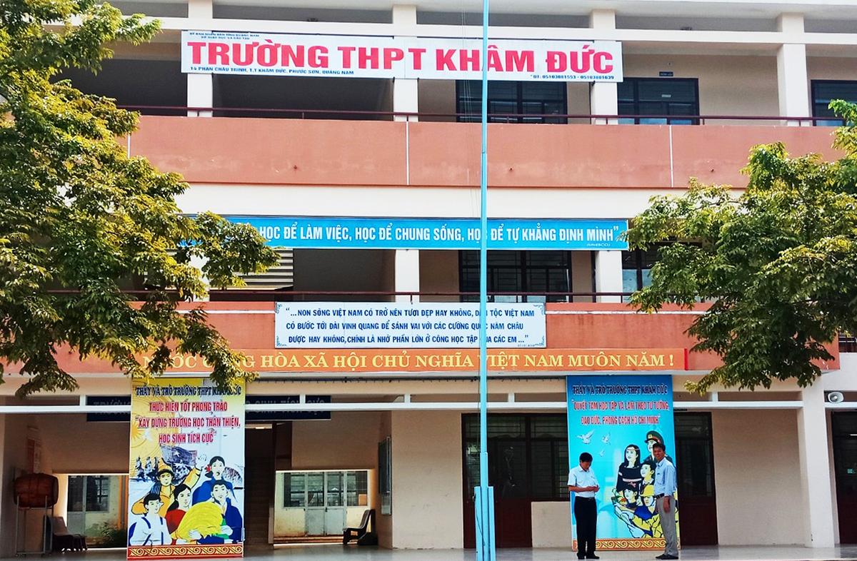 Trường THPT Khâm Đức, nơi chồng bệnh nhân 981 coi thi từ ngày 8-10/8. Ảnh: Minh Tân.