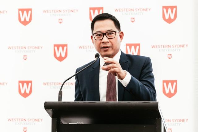 Tiến sĩ Lý Quí Trung - Đồng sáng lập Phở 24, Giáo sư thỉnh giảng & Cố vấn cao cấp của trường Đại học Western Sydney (Australia).