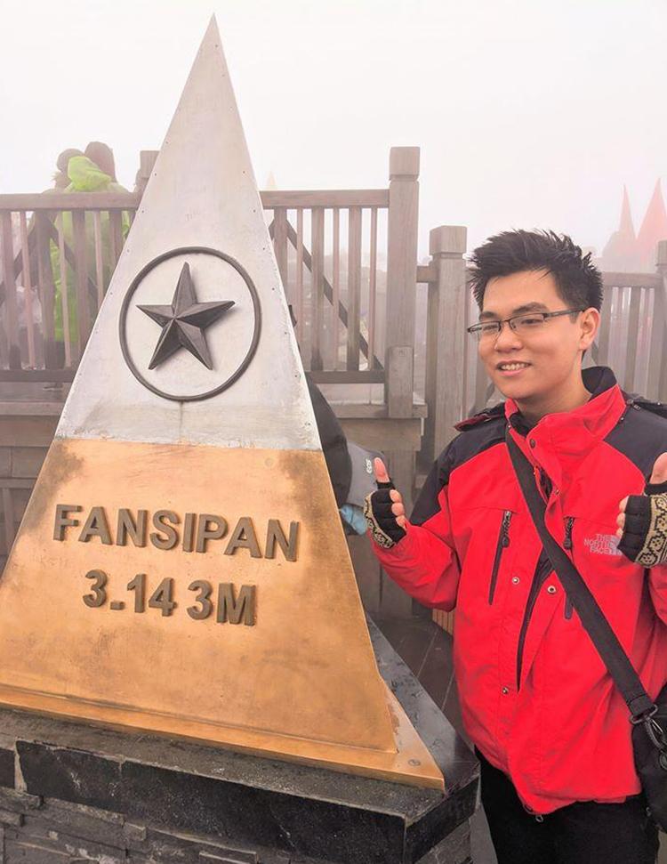 Nguyễn Hoàng Linh trong lần lên Fansipan cuối năm 2019. Ảnh: Nhân vật cung cấp.