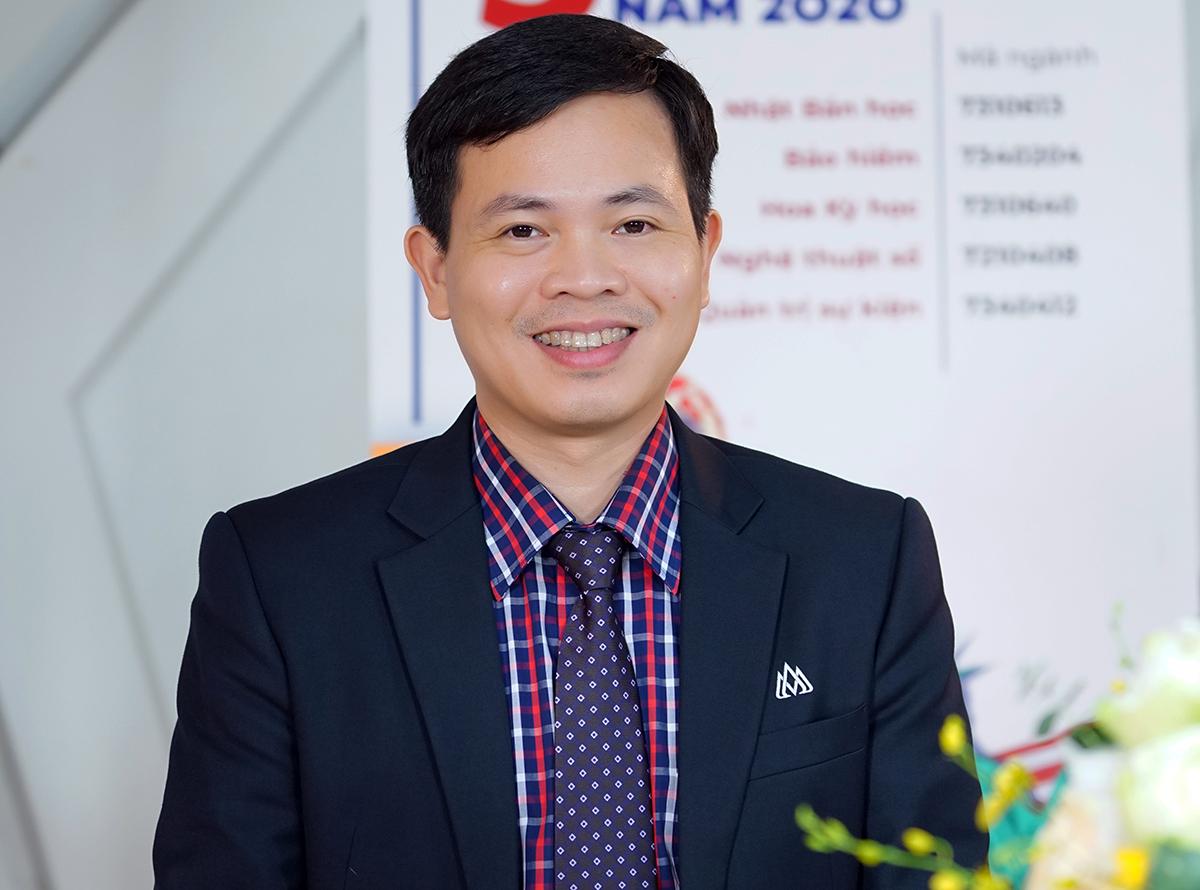 hó giáo sư, tiến sĩ Nguyễn Ngọc Vũ - Phó hiệu trưởng