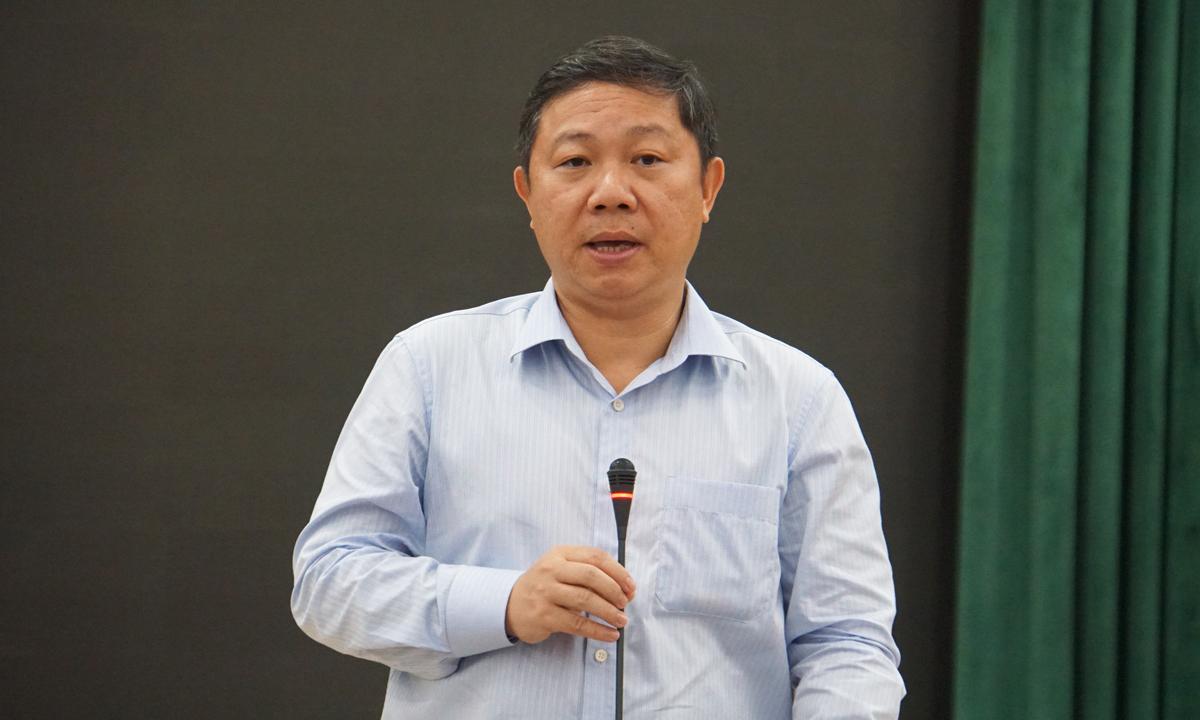 Ông Dương Anh Đức họp thành viên Ban chỉ đạo kỳ thi tốt nghiệp THPT năm 2020 tại TP HCM ngày 31/7. Ảnh: Mạnh Tùng.