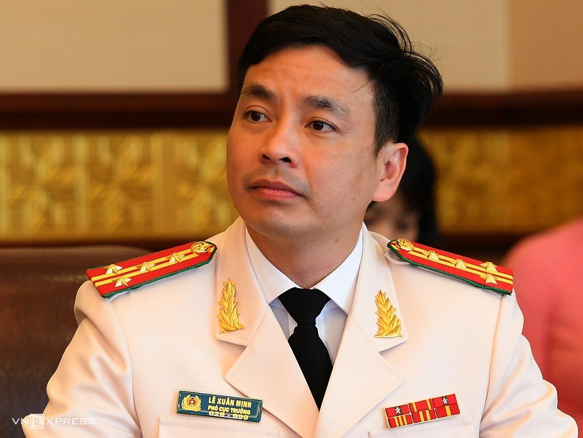 Đại tá Lê Xuân Minh 44 tuổi, tân giám đốc Công an Hoà Bình, người trẻ nhất trong số gần 20 cán bộ vừa được bổ nhiệm. Ảnh:Trần Xuân