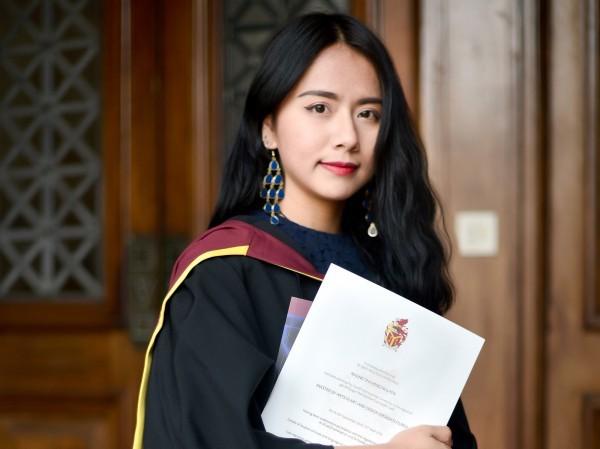 Hồng Nhung, cựu sinh viên trường Cardiff Metropolitan tại xứ Wales.