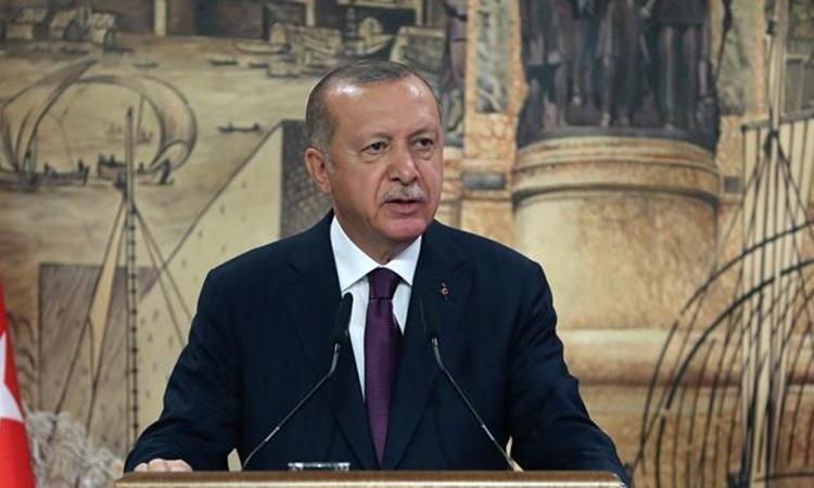 Tổng thống Thổ Nhĩ Kỳ Recep Tayyip Erdogan phát biểu trên truyền hình hôm 21/8. Ảnh: Xinhua.