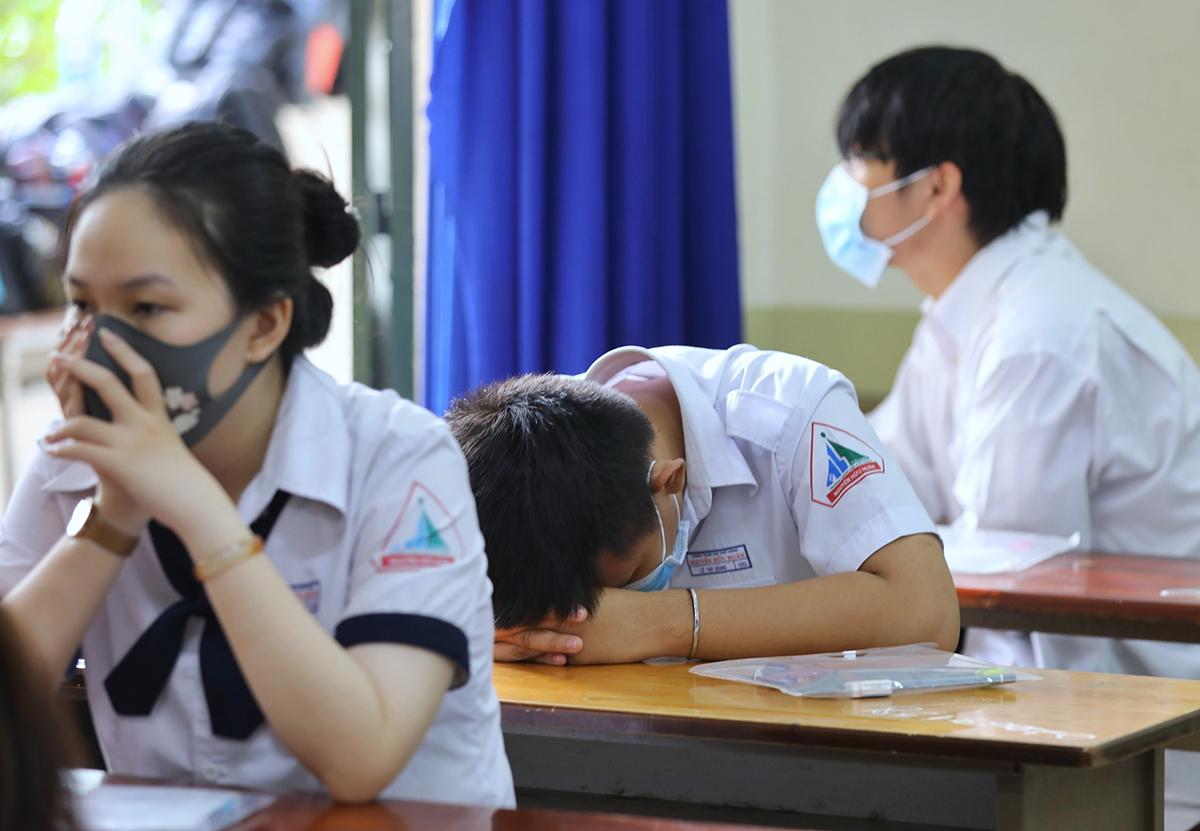 Học sinh trong kỳ thi tốt nghiệp THPT 2020 tại TP HCM. Ảnh: Quỳnh Trần.