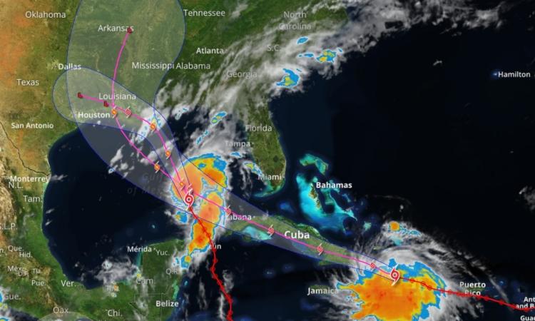 Hướng di chuyển của hai cơn bão Marco và Laura. Đồ họa: WDTI.