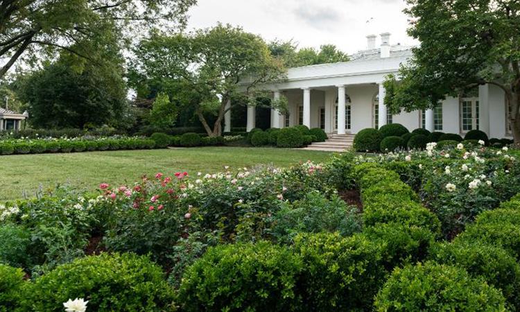 Hình ảnh Vườn Hồng Nhà Trắng sau khi được cải tạo do Đệ nhất phu nhân Melania công bố hôm 22/8. Ảnh: CNN.