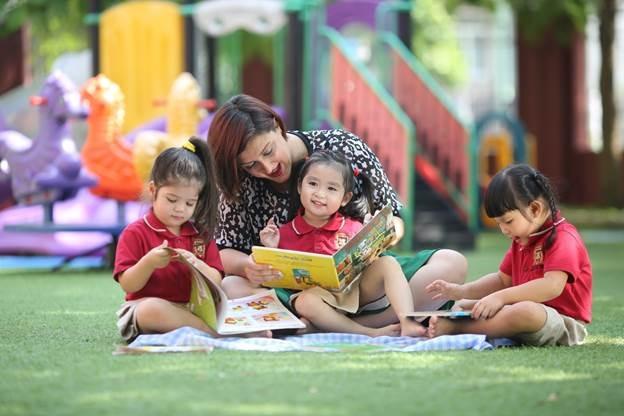 Nền tảng tiếng Anh vững chắc giúp trẻ dễ dàng chuyển tiếp lên chương trình giáo dục Tiểu học quốc tế.