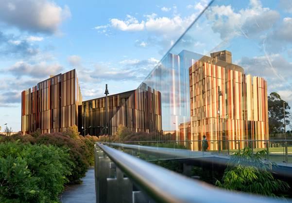ĐH Macquarie tọa lạc tại Khu công nghệ cao Macquarie Park Innovation District.