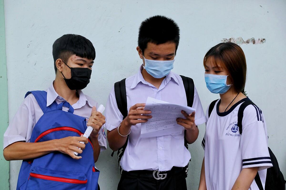 Thí sinh dự thi tốt nghiệp THPT 2020 tại TP HCM. Ảnh: Quỳnh Trần