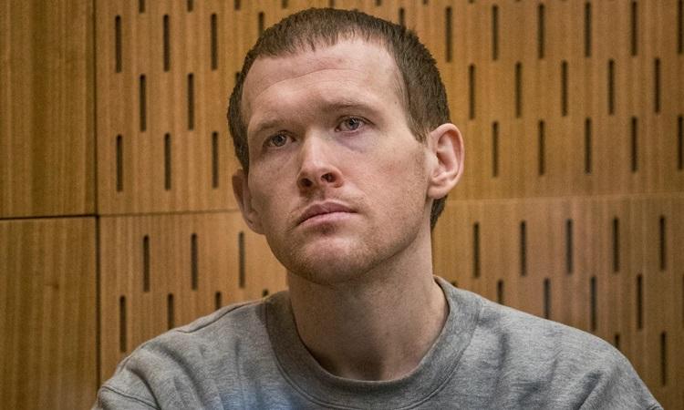 Kẻ xả súng nhà thờ Hồi giáo Brenton Tarrant tại phiên tòa ở Christchurch, New Zealand hôm 25/8. Ảnh: AP.