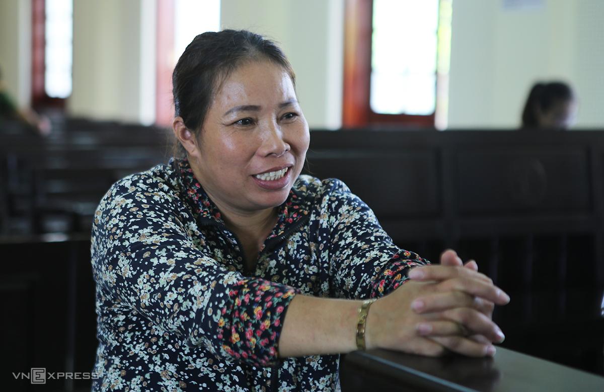 Bị cáo Nguyễn Thị Loan lúc tòa đang nghị án. Ảnh: Nguyễn Hải.